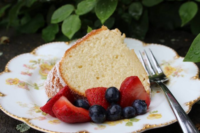 Summer Pound Cake With Fruit